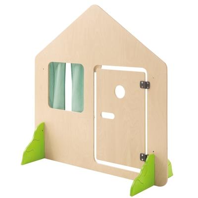 Haus mit Tür und Büschen