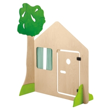 Haus mit Tür und Baum