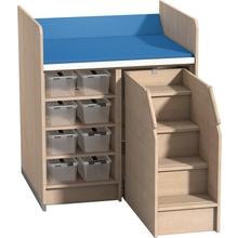 Wickelanlage mit 3 Einlegeböden und Aufstiegshilfe
